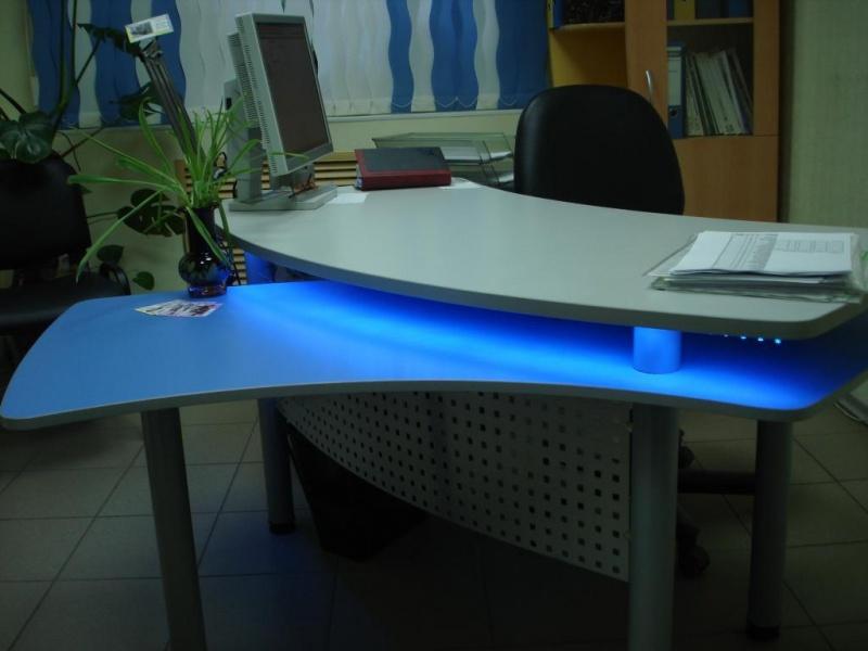 Продам: Офисная мебель, столы, шкафы, ресепшн