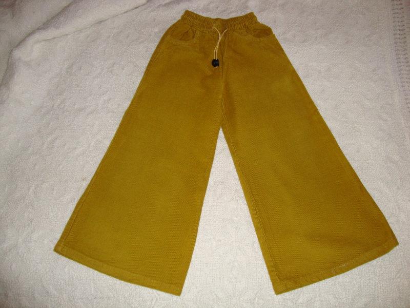 Продам: Новые вельветовые брюки для девочки