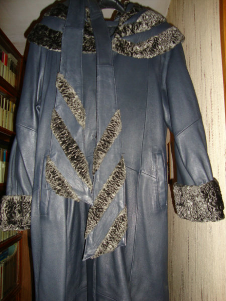 Продам Новое кожаное пальто