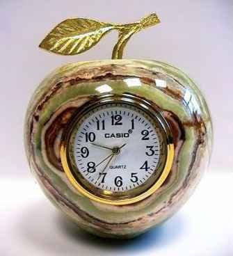 Продам: Яблоко 9 см. Сувенир из природного