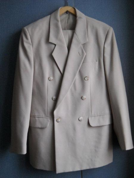 Продам Продам костюм мужской (пиджак, брюки)