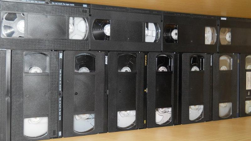 Продам Продам б/у видеокассеты 180-240 минут