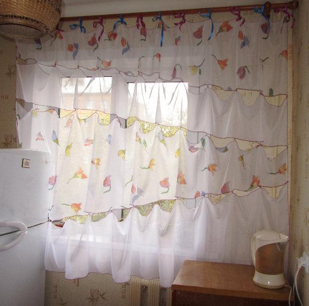 Продам Веселая шторка в кухню или детскую
