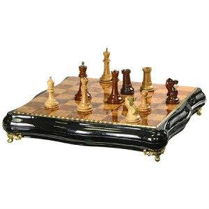 Продам Шахматы Большие фигурные