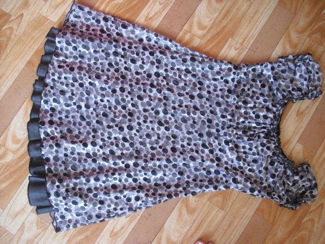 Продам Платье легкое летнее  р 42-44 в горошек