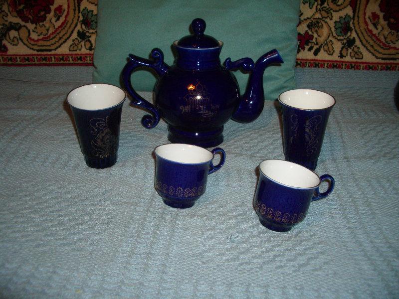Продам Чайник заварочный с чашками