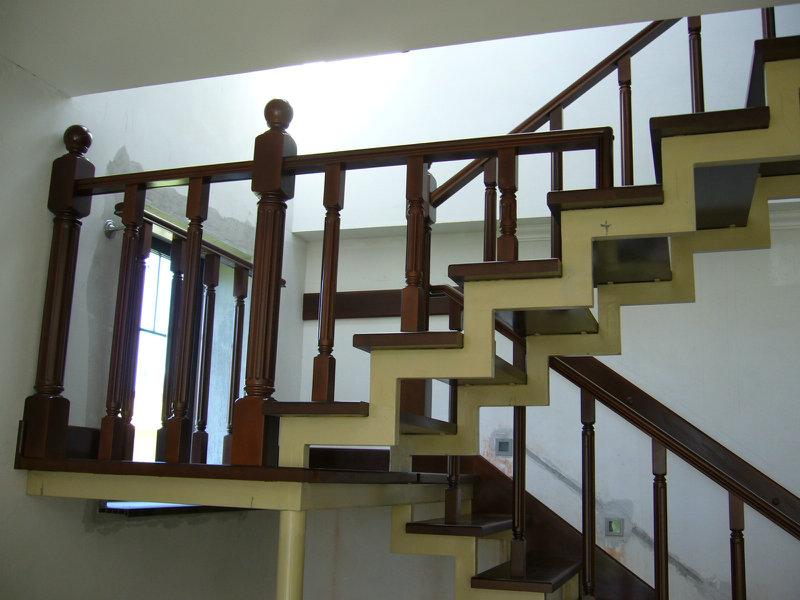 Продам Лестницы из дерева, в Мытищинском р-не.