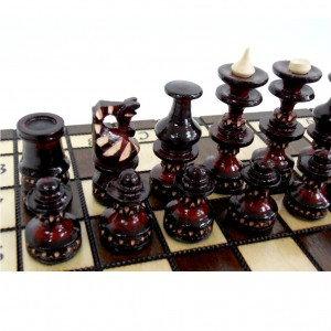 Продам Деревянные шахматы 30 х 30 см.
