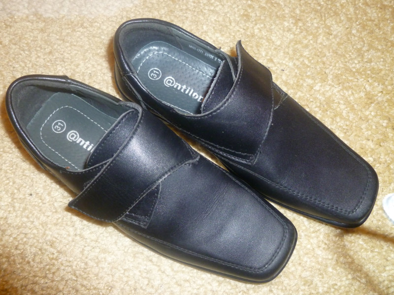 Продам туфли для мальчика 31р