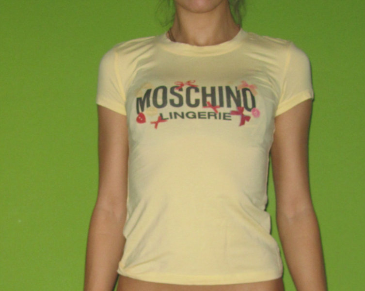 Продам Футболка Moschino женская размер 40-42