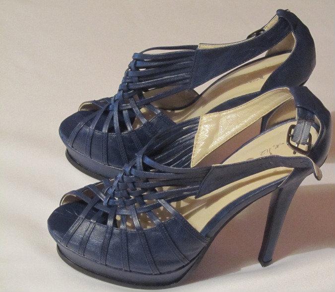 Продам Туфли /босоножки на каблуке кожанные р37