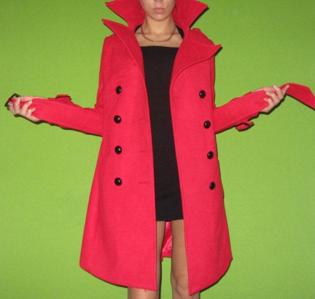 Продам Пальто красное размер 40-42 и 42-44