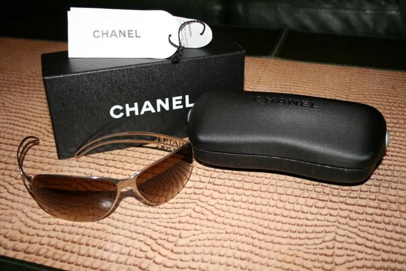 Продам новые солнцезащитные очки CHANEL