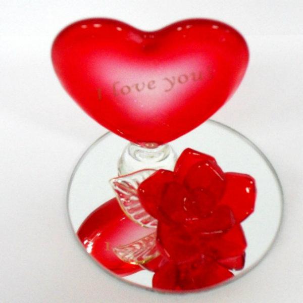 Продам: Сувенир Роза с сердцем