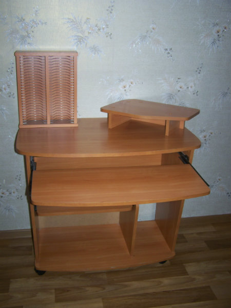 Продам Компьютерный стол