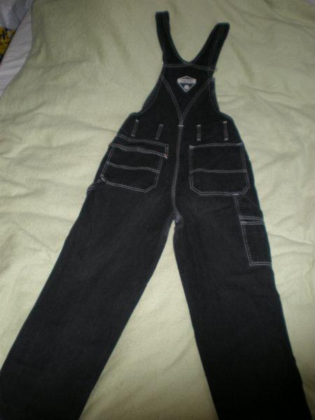 Продам: комбинезоны, костюм(жилет+брюки),сарафан