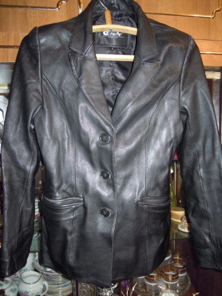 Продам Чёрный кожаный пиджак
