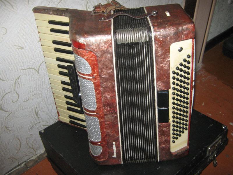 Продам: аккордеон