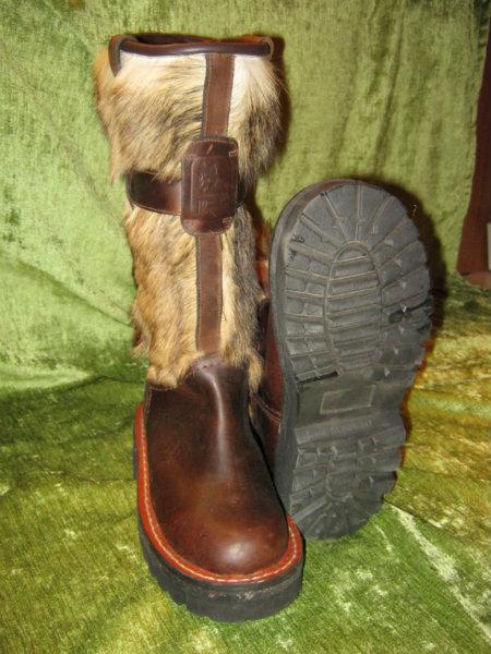 Продам Монгольские сапоги на собаке