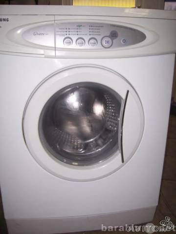 Продам стиральную машину Samsung в Санкт-Петербурге.