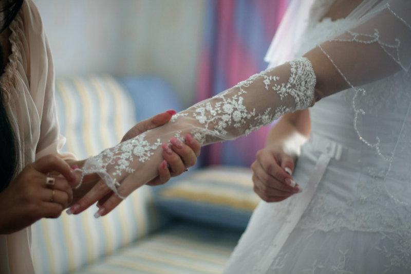 Продам Перчатки свадебные