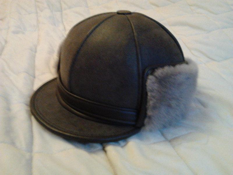 Продам Новая шапка.Кожа,мех натур