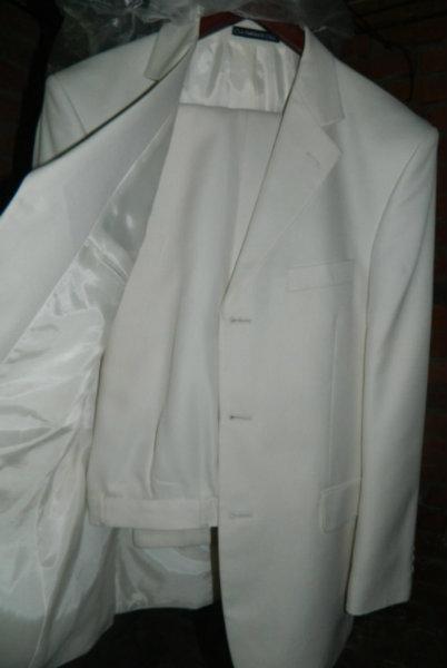 Продам: муж польто и костюм