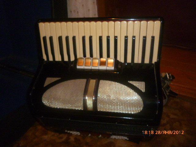 Продам: аккордеон германский довоенный Ритмус
