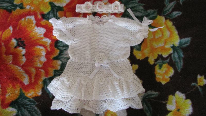 Продам платье вязаное для девочки 2-12 мес