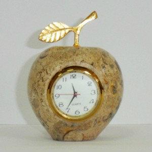 Продам: Сувенир яблоко из яшмы 8 см. с часами