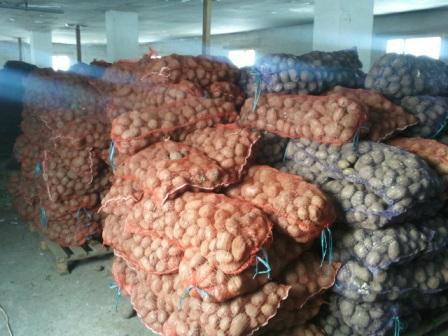 Продам картофель-7руб.,морковь-9руб.