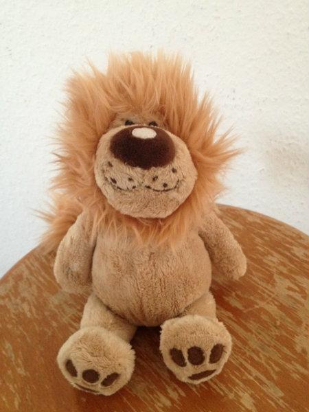Продам Плюшевый лев