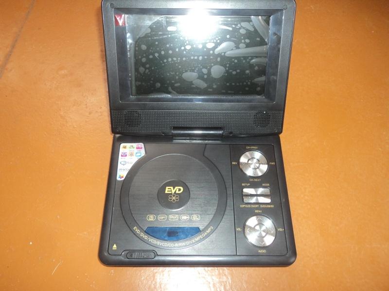Продам портативный DVD-проигрыватель