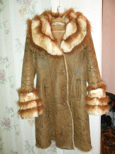 Продам: Дубленка с капюшоном и пальто с капюш.