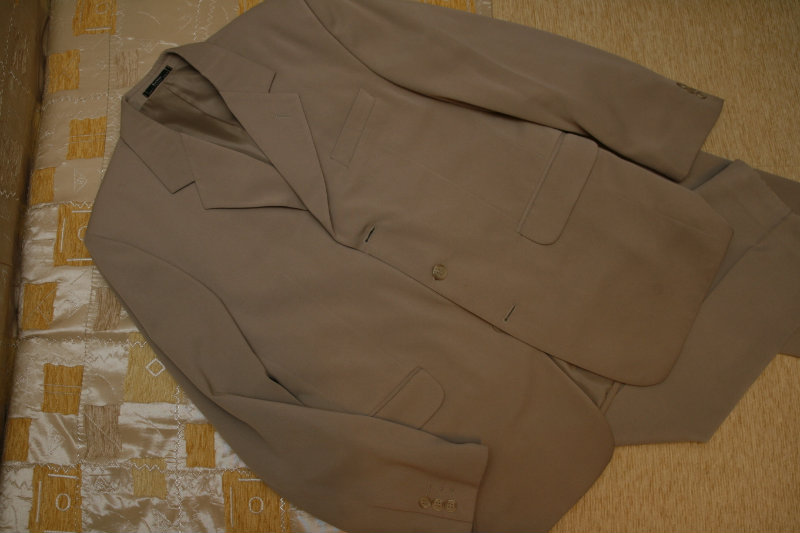 Продам Мужской классический костюм тройка