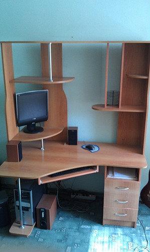 Продам Продам компьютерный стол