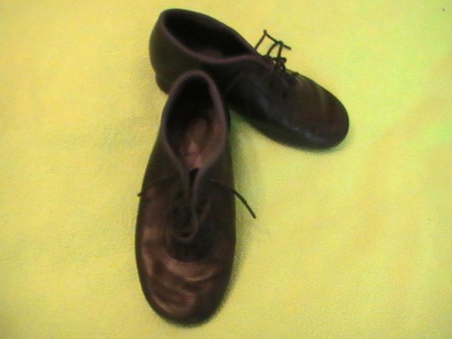 Продам Брюки и туфли для танцев