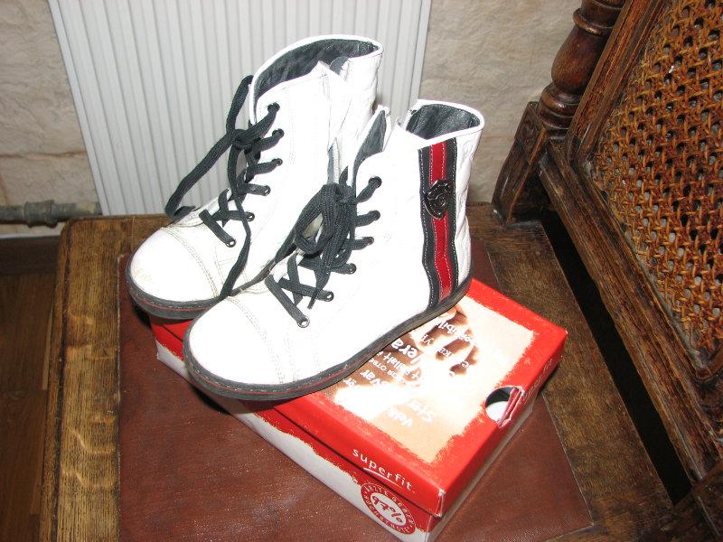 Продам Ботинки Cherie