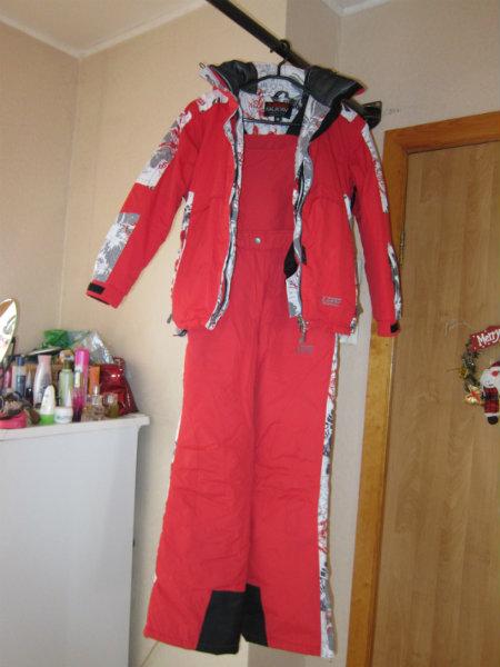Продам Женский лыжный костюм