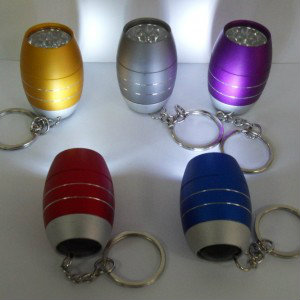 Продам: Брелок фонарик в виде бочёнка 6 диодов