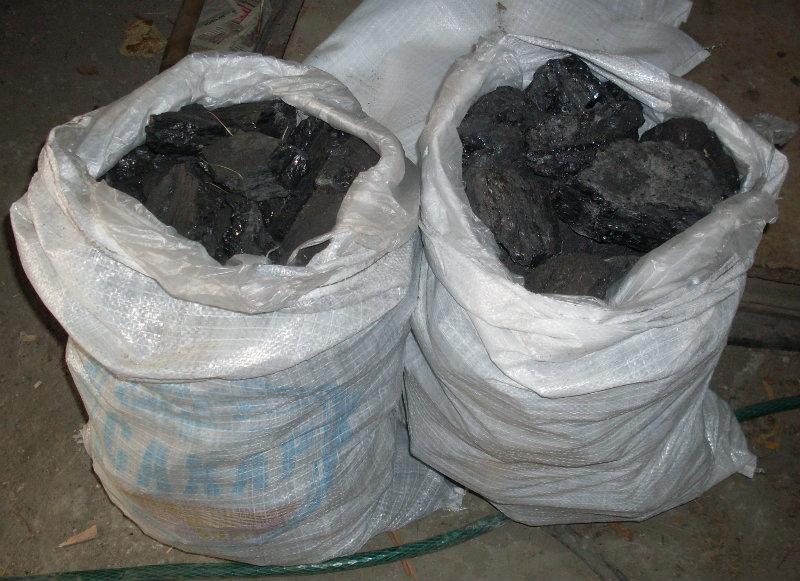 Продам Уголь каменный в мешках. Доставка.