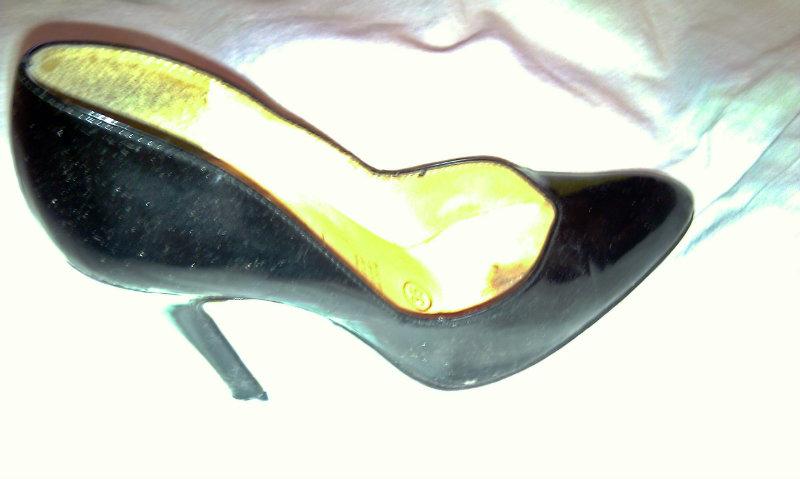 Продам Модельные женские туфли