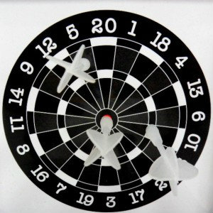 Продам Шахматы шашки дартс компактный магнитный