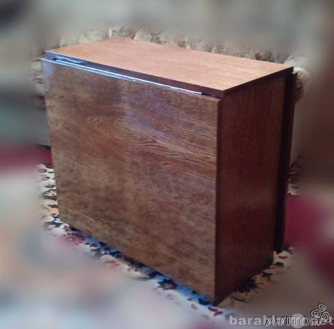 Продам Продам недорогой стол-книжку