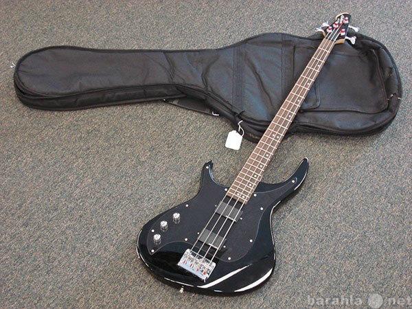 Продам Бас-гитару Hohner, чехол, м/стойку