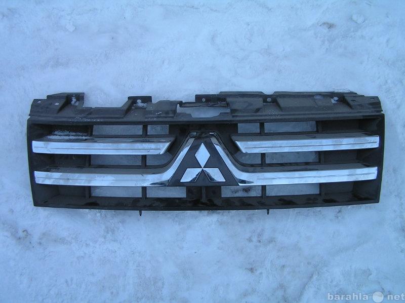 Продам Решетка радиатора Mitsubishi Pajero