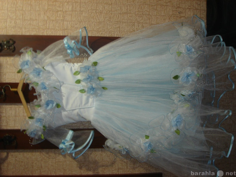 Продам платье, детская одежда