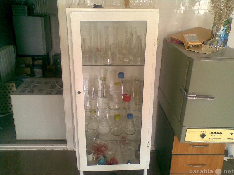 Продам Продам шкаф лабораторный стеклянный. б/у