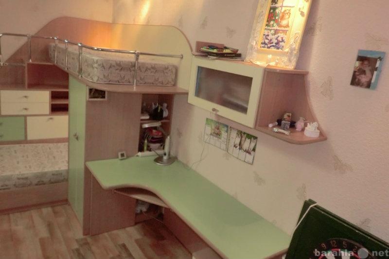 Продам кровати,шкафы,столы,стеллажи