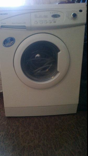 Продам стиральную машину Samsung S803J800 в Томске.